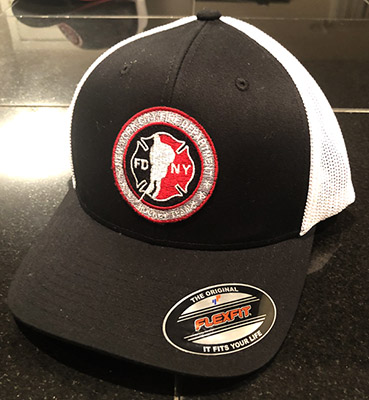 Hockey BLACK/WHITE Flexfit Trucker Hat